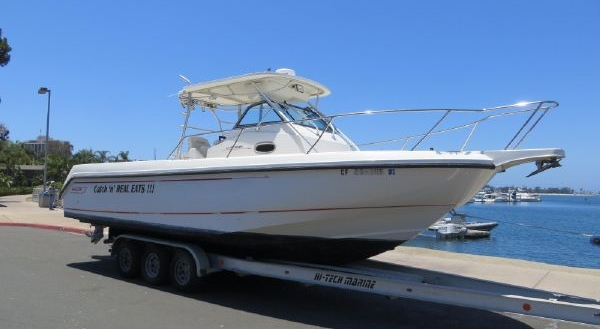 28' Boston Whaler Outrage Wa