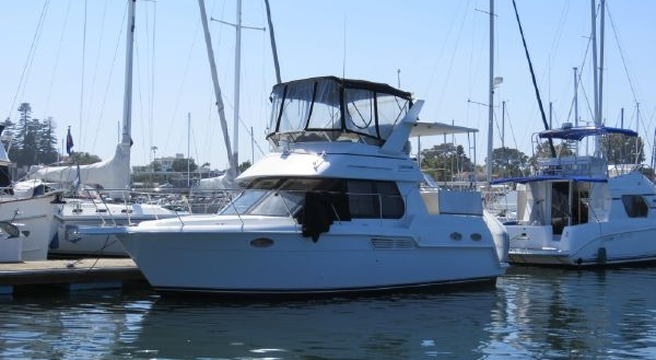 Carver 32 Aft Cabin for sale