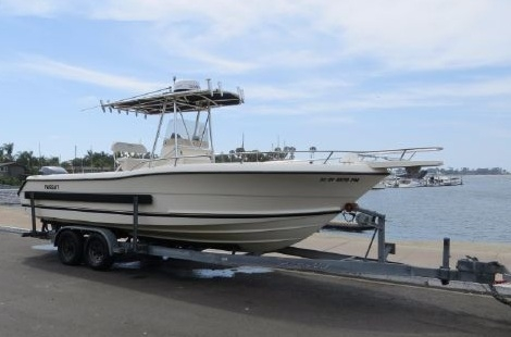 24' Pursuit 2470 Center Console