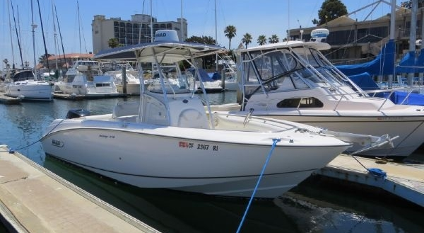 24' Boston Whaler 240 Outrage 2003