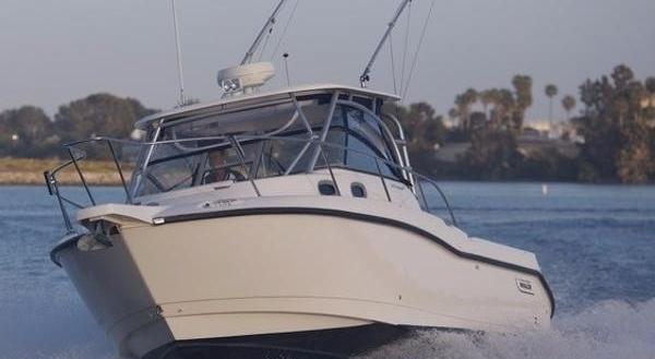 30' Boston Whaler 305 Conquest 2010