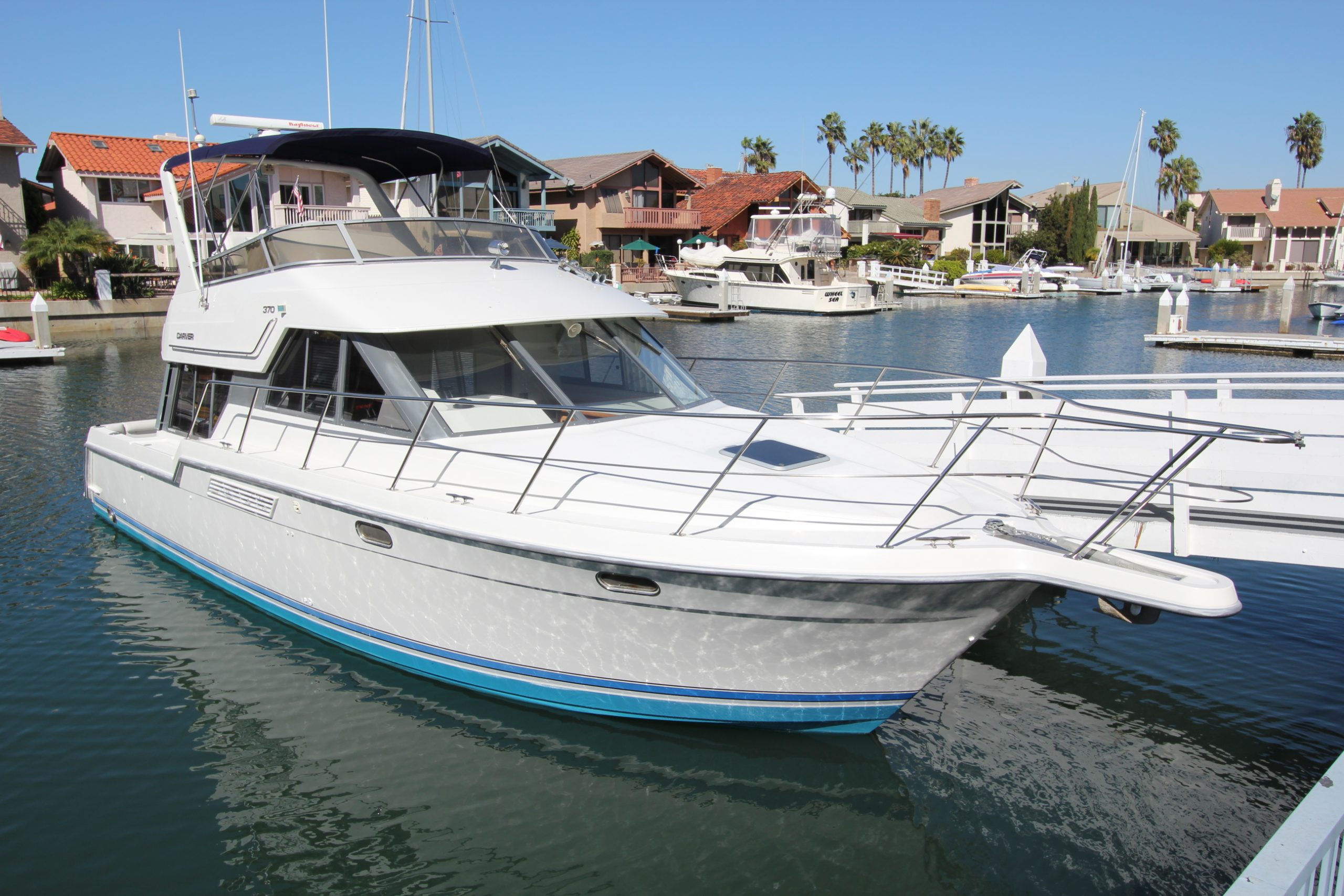 37′ Carver 370 Voyager For Sale