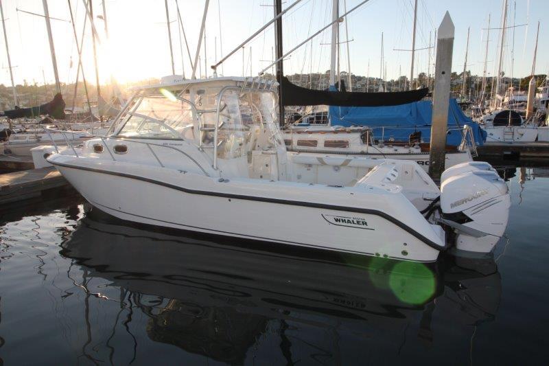 30' Boston Whaler 305 Conquest 2008