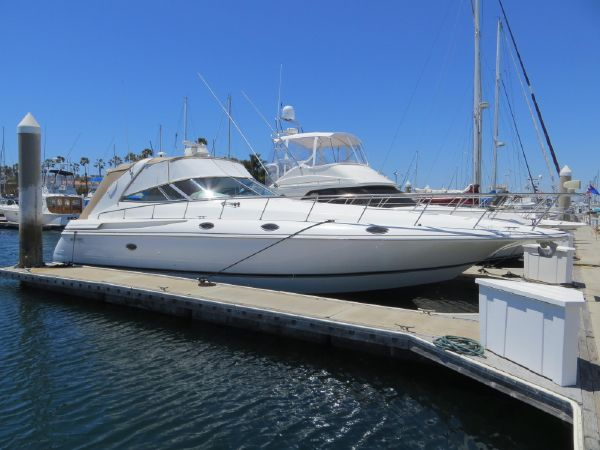 42' Cruisers Yachts 4270 Express